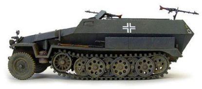 AFV 1/35 SD.KFZ. 251/1 AUSF.C Schutzen Panzer Model Kit