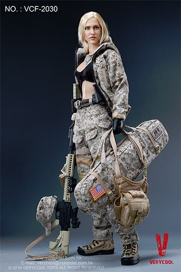 Very Cool Digital Camouflage Women Soldier Max 1/6 Scale